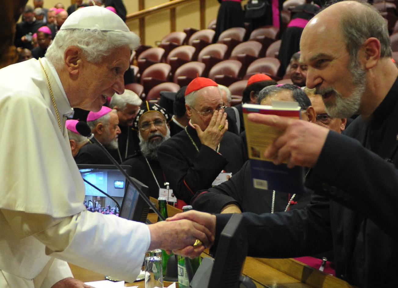 Pope Benedict XVI (left) and Dr. Thomas Schirrmacher