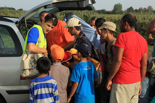 http://www.worldea.org/images/wimg/images/Local%20church%20volunteers%20helping%20refugees%20in%20Serbia%20sm.png